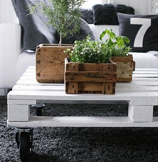 Pallet planter box diy project live laugh rowe for Small projects made out of wood