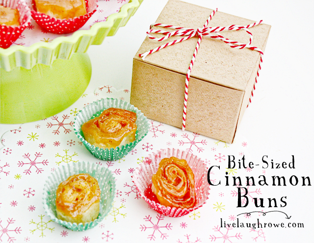 Bite-Sized Cinnamon Buns with LiveLaughRowe.com #recipe #christmas #dessert