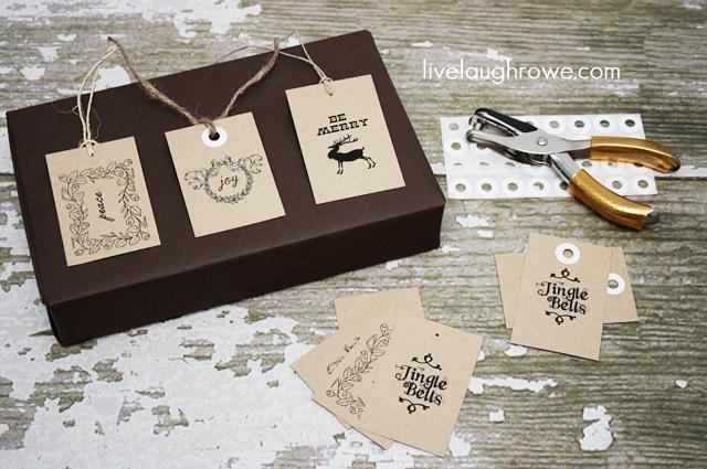 Free Vintage Printable Christmas Tags with LiveLaughRowe.com #printable #tags