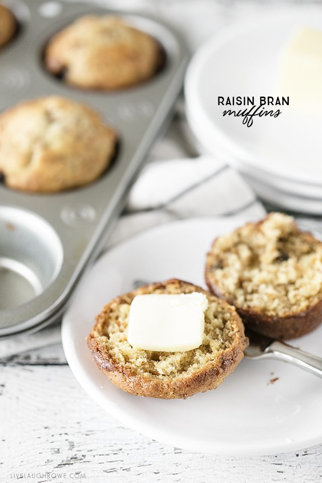 Delicious Six Week Raisin Bran Muffins Recipe. These muffins are perfect for simplifying your time in the kitchen, minimizing regular clean up and are perfect for on-the-go! livelaughrowe.com