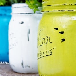 Super Easy Painted Mason Jars