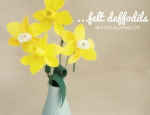 Fun & Easy Felt Flowers | Daffodils