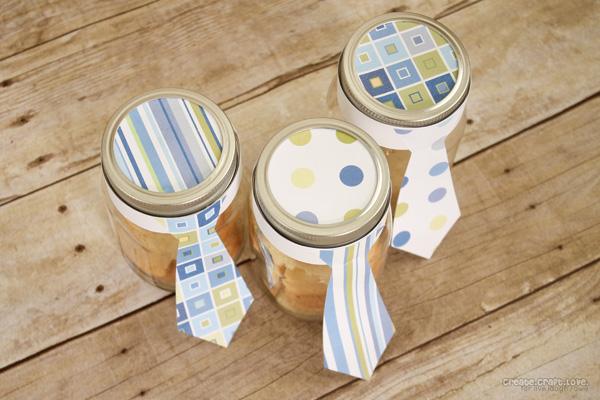 Mason Jar Treats for Father's Day from createcraftlove.com for livelaughrowe.com #fathersday #masonjars #giftideas