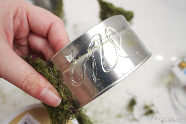moss-wire-candle-holder-gluing-the-moss