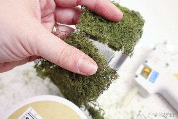 moss-wire-candle-holder-measuring-moss