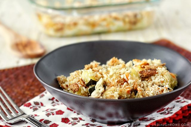 Looking for an Easy family dinner idea? Look no further! This Zucchini Casserole might just be your new favorite meal. livelaughrowe.com