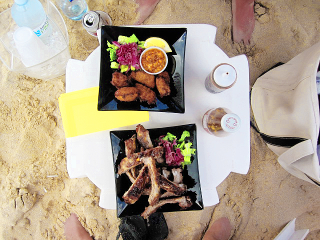 Lunch on the beach at Pinel Island