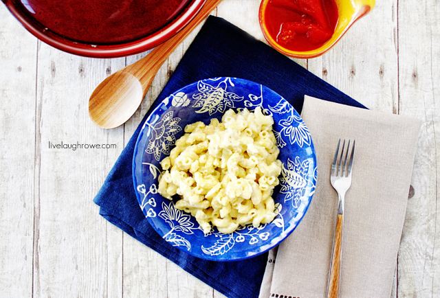 Family Fave.  Baked Macaroni and Cheese with livelaughrowe.com