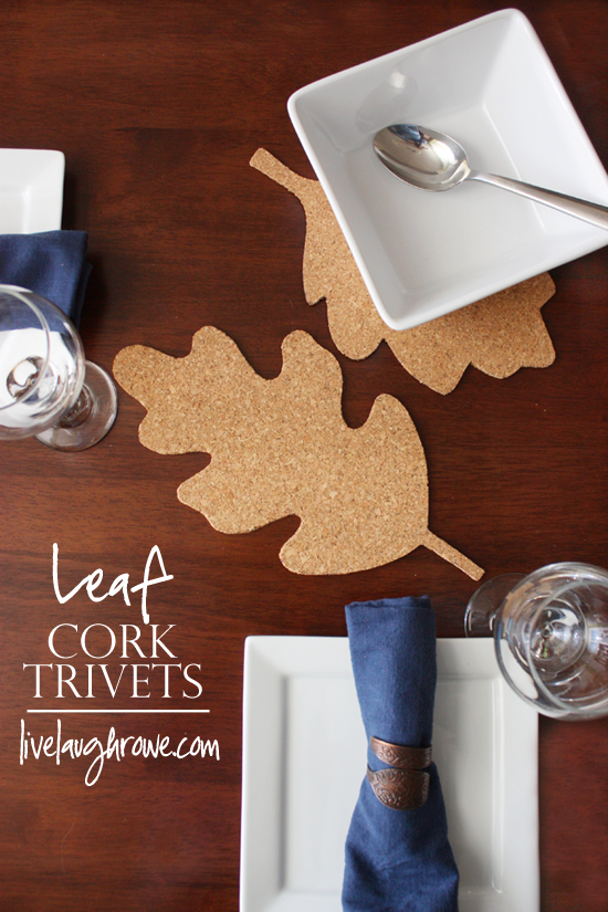 Leaf Cork Trivets | #diy #thanksgiving #thanksgivingtablescape