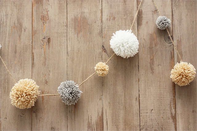 Neutral Pom Pom Christmas Garland at House 129
