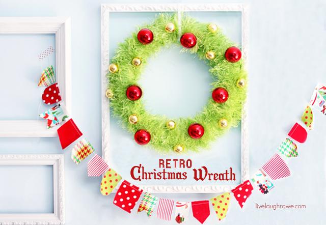 Retro Inspired Christmas Wreath with livelaughrowe.com
