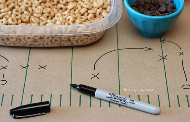 let the kids dras their own plays on the table runner