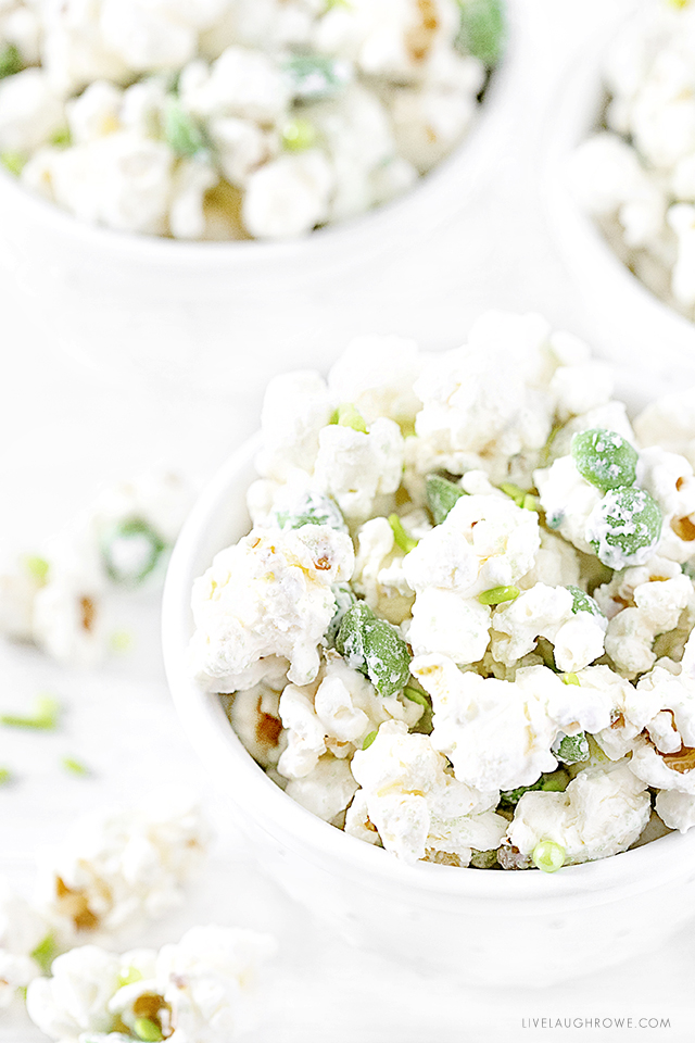 Add a little sweet treat to the St. Patrick's Day fun with this White Chocolate Irish Party Popcorn. Easy to make with a little sweet and salty flavor. More at livelaughrowe.com