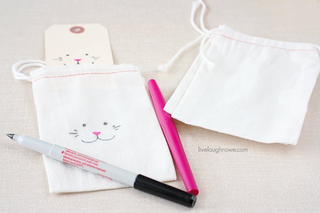 Adorable DIY Rabbit Muslin Easter Treat Bags