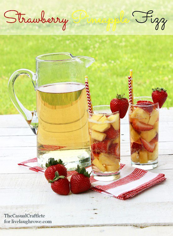 Strawberry Pineapple Fizz from The Casual Craftlete for www.livelaughrowe.com #fizz
