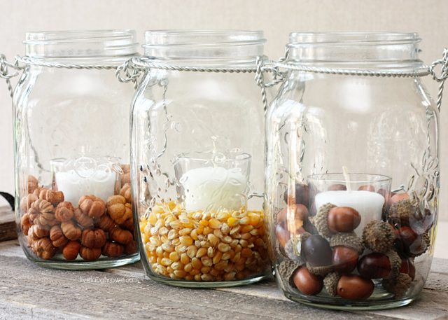Using hanging mason jars and fillers, you can create fabulous fall decor in minutes! #masonjars #diy