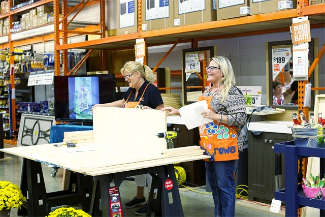 Kelly and Kim Kicking off the DIH Workshop