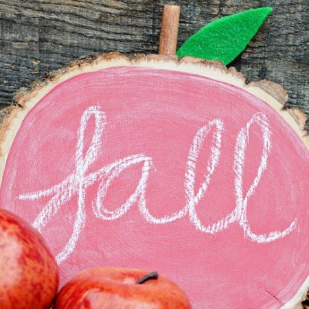 DIY Apple Chalkboard