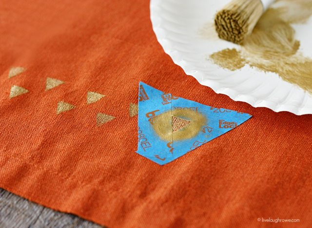 Start stenciling your napkins...