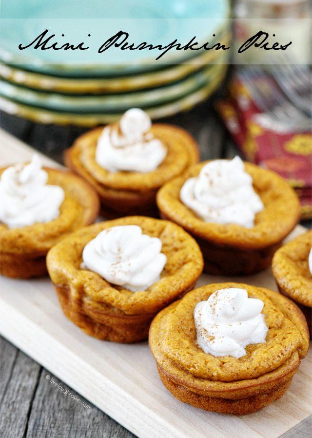 ... Mini Pumpkin Pies. Recipe at livelaughrowe.com #getyourbettyon #