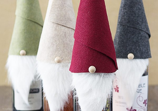 Tell me these Gnome Wine Toppers aren't the cutest things ever? Make one in 10 minutes. Great for the wine enthusiasts. www.livelaughrowe.com #gnome #winetoppers