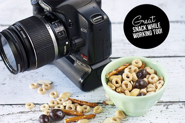 A simple homemade trail mix that you can whip up and take along for snacking!  www.livelaughrowe.com