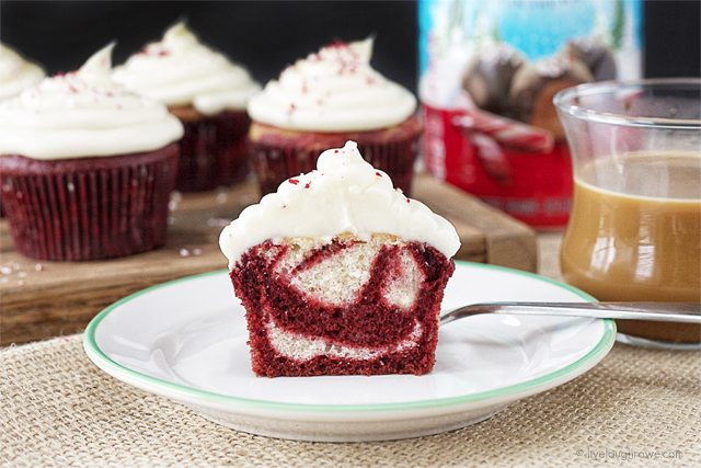 Marble Cupcakes With Peppermint Cream Cheese Frosting