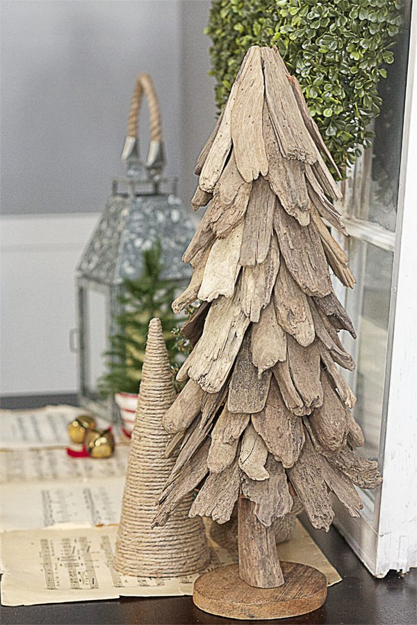 Lovely Rustic Christmas Vignette with a bountiful Boxwood Wreath from Balsam Hill.  www.livelaughrowe.com
