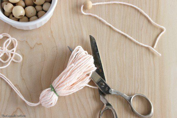 DIY Yarn Tassles - The Casual Craftlete