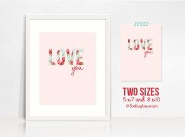 "Love this shabby chic printable that says, ""Love you!"" www.livelaughrowe.com #printable #shabbychic"