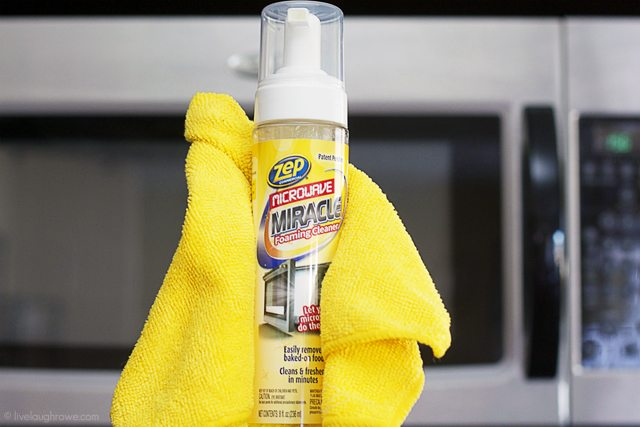 How to Clean Your Microwave in 5 Minutes?  Yes, please. Spray, steam, wipe with Zep's Microwave Miracle.  www.livelaughrowe.com #ZepSocialStars #sp