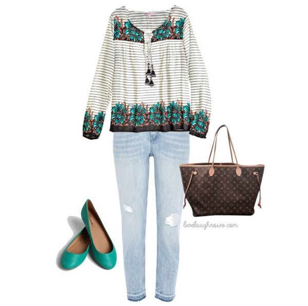 Casual boho style.  Love it!  www.livelaughrowe.com #fashion #spring