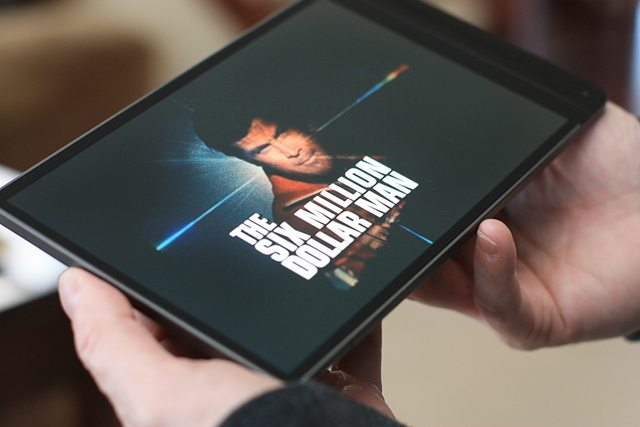 What is the World's Thinnest Tablet?  Visit www.livelaughrowe.com for details!