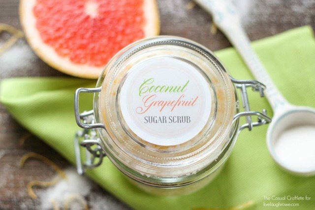 Coconut Grapefruit Sugar Scrub with free printable labels makes a great gift anytime of year