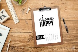Free 5x7 Printable Calendar for July 2015 with inspirational quote! www.livelaughrowe.com