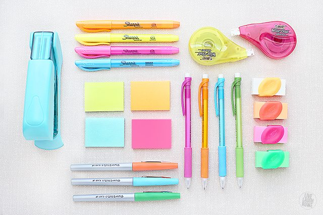 Do you have any office supplies that you can't live without?  I'm sharing mine and how thy keep me organized creative and sane!  www.livelaughrowe.com