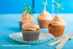 Orange Creamsicle Cupcakes! A fresh take on the ice cream truck favorite.