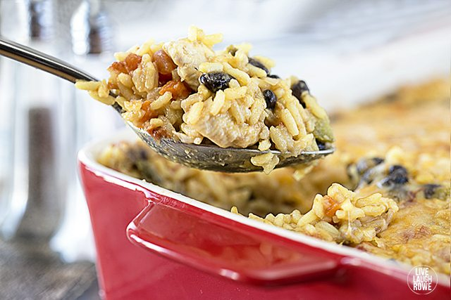 Chicken, Rice and Tomatoes. Easy and delicious, coming right up! Recipe at livelaughrowe.com