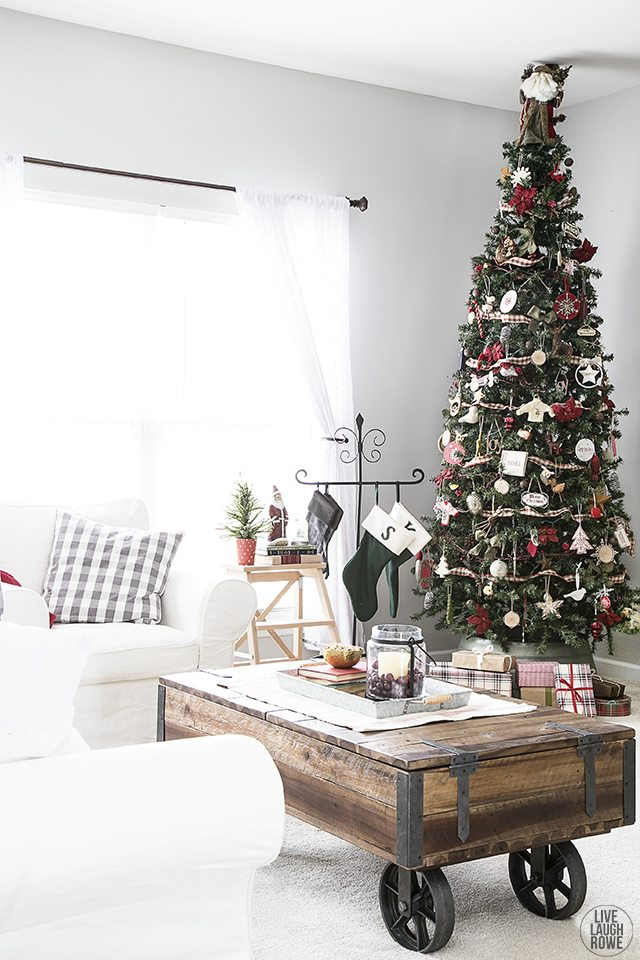 Beautiful Woodland Christmas Tree. www.livelaughrowe.com