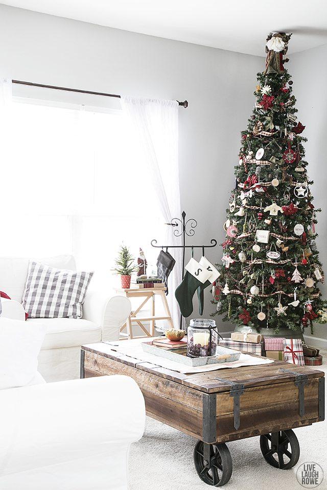 Beautiful Woodland Christmas Tree. www.livelaughrowe.com