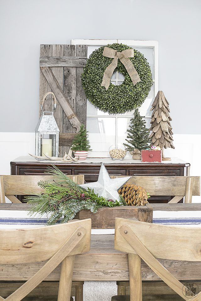 Love this Rustic Inspired Dining Room Vignette. A beautiful addtion to the Christmas Home Tour. livelaughrowe.com
