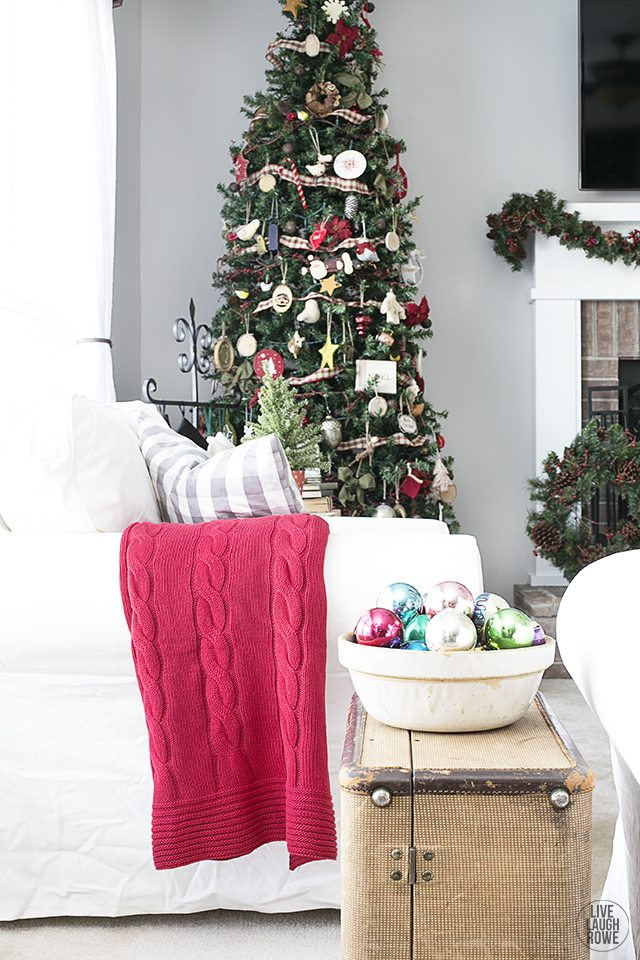 Woodland Christmas Home Tour. I love how light and bright the space is with pops of holiday decor. livelaughrowe.com