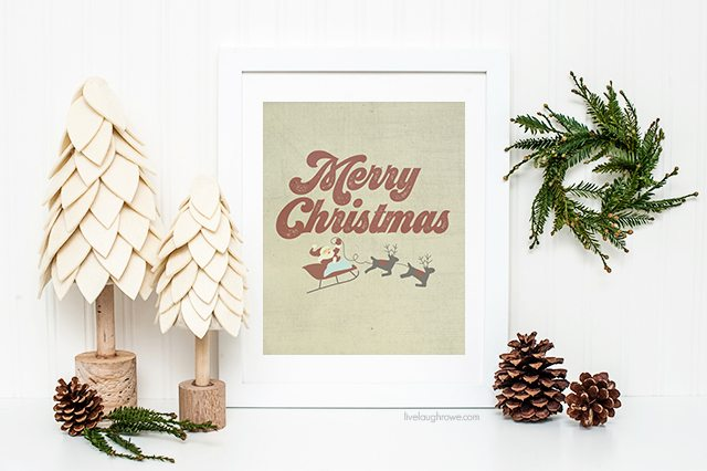 Vintage Inspired Merry Christmas printables! Add to your wall decor or gift to a friend who love the vintage vibe! livelaughrowe.com