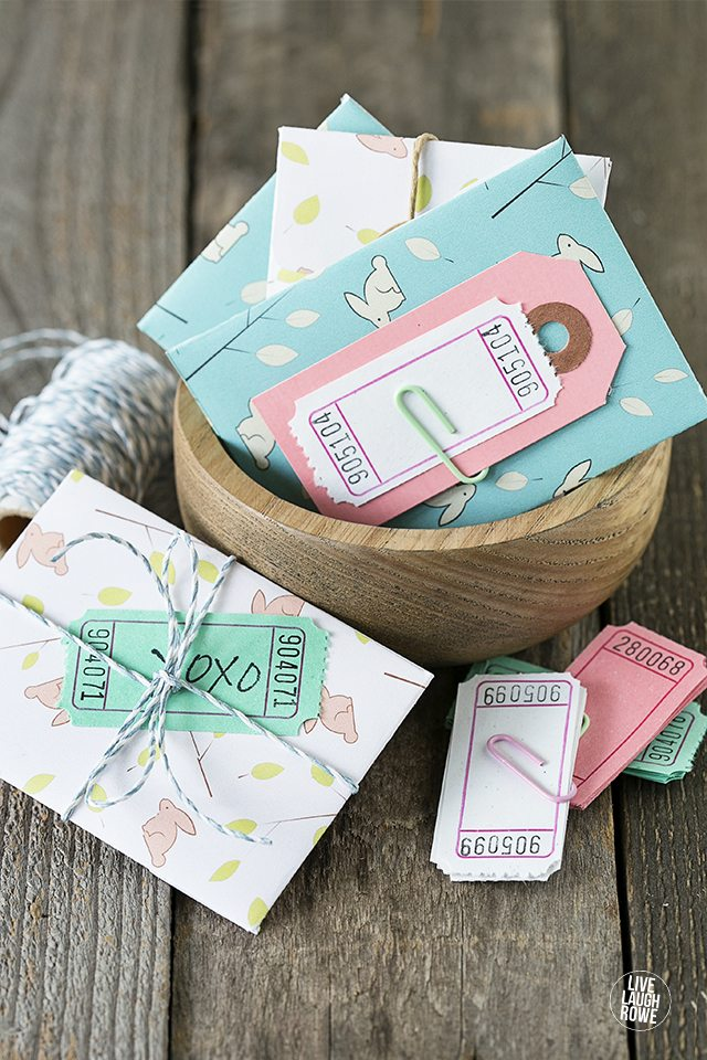 Print and assemble these adorable gift card holders for Easter! Add quarters for the kiddos and place in their Easter baskets. livelaughrowecom