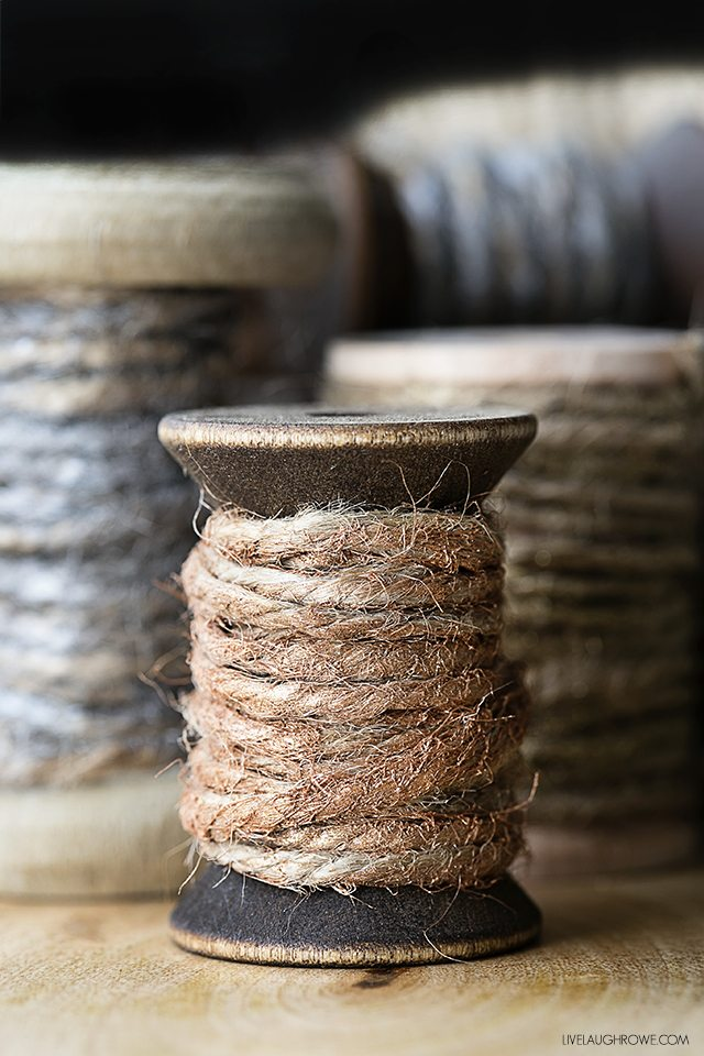 Rustic hand painted twine. A fun use of jute twine that is great or gift wrap or gifting! livelaughrowe.com