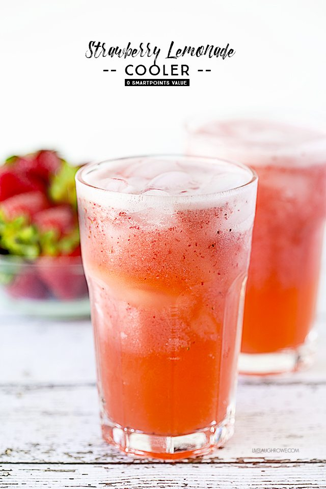 Delicious and refreshing non-alcoholic Strawberry Lemonade Cooler. Low in calories too! livelaughrowe.com