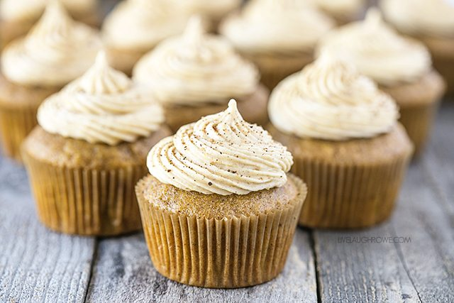 Pumpkin Spice Cupcakes with Pumpkin Cream Cheese Frosting fcd356e51b
