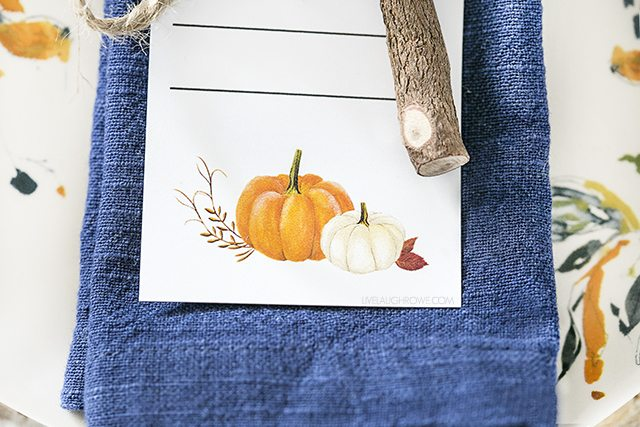 Beautiful and simple fall tablescape -- love the printable bookmark too! livelaughrowe.com