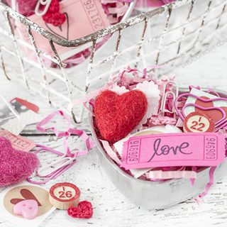 Absolutely darling! Vintage Heart Tin used to create a Valentine's Day gift using ephemera and other fun, festive pieces. livelaughrowe.com