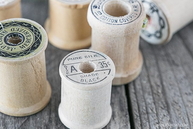 I have such a love for vintage spool! My Vintage Wooden Ribbon Spook is inspired by these. livelaughrowe.com